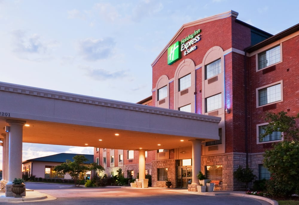 Holiday Inn Express & Suites Tulsa S Broken Arrow Hwy 51: 2201 Stone Wood Cir, Broken Arrow, OK