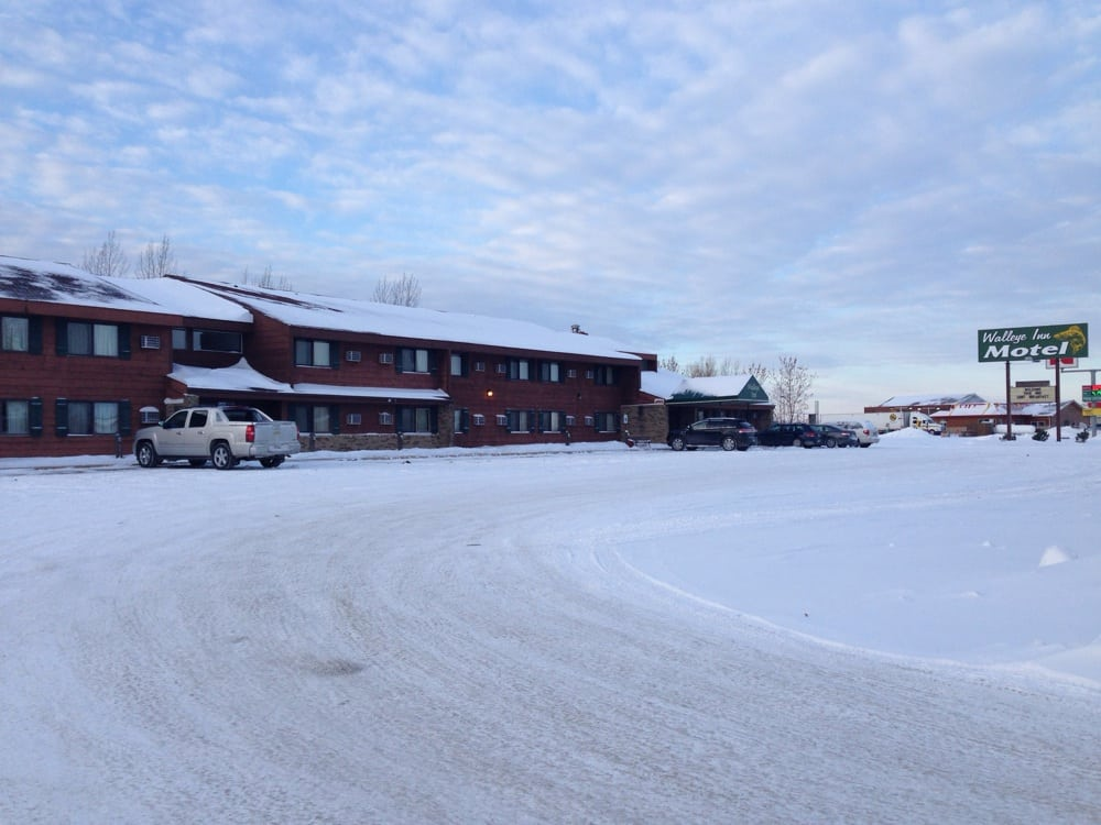 Walleye Inn Motel: 803 Main St E, Baudette, MN
