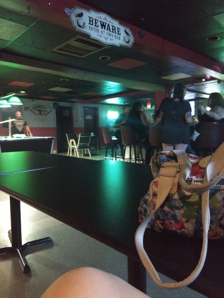 Phil N Young Tavern: 1455 Harrisburg Pike, Columbus, OH