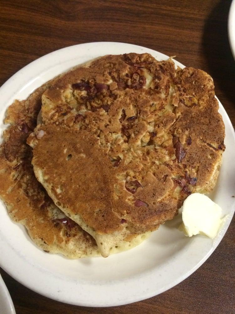 Apple Cinnamon Walnut Pancakes - Yelp