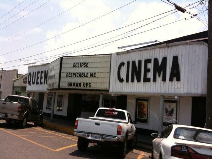 Queen Cinema: W Walnut St, Mamou, LA