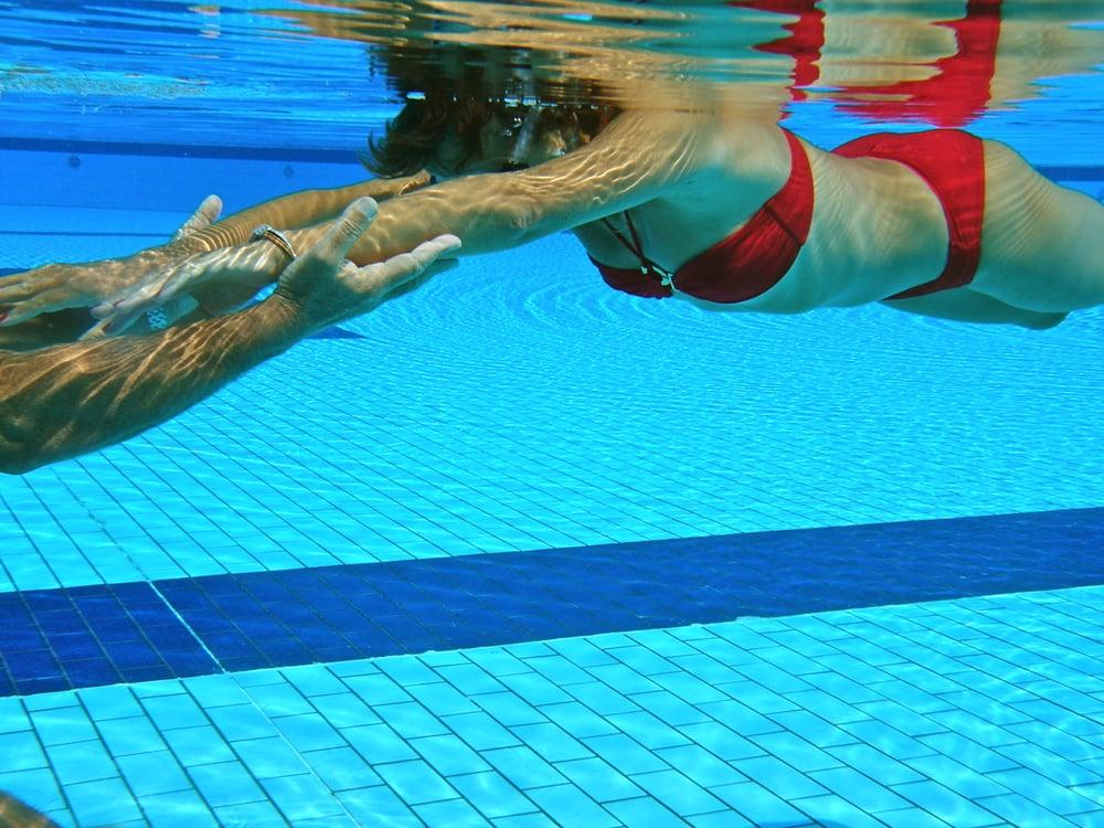 Le pied dans l eau piscines du coll ge stanislas for Piscine 6eme