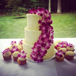 Photo Of Frost This Cakes Wilton Nh Al United States Hawaiian Wedding