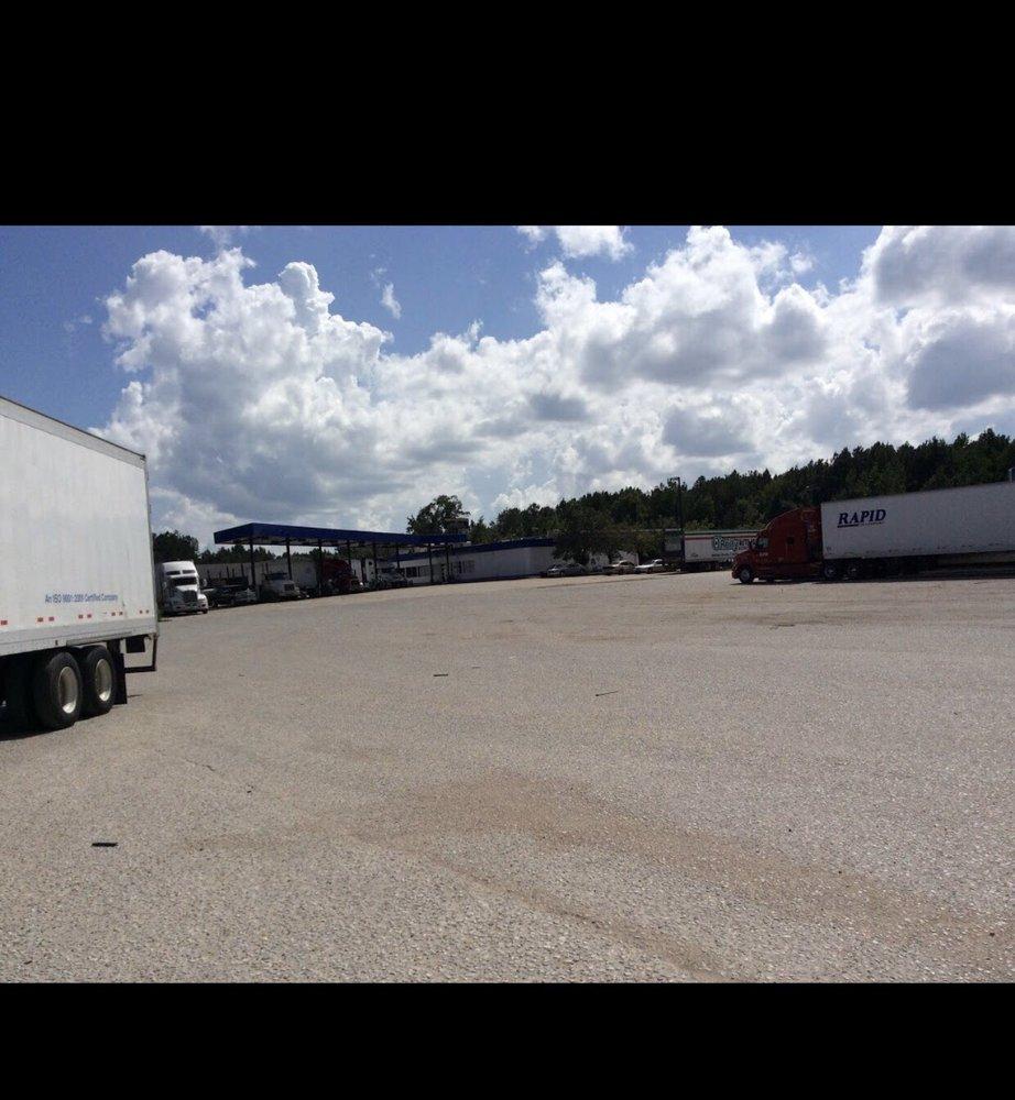 York Truck Stop: 17700 Hwy 17, York, AL