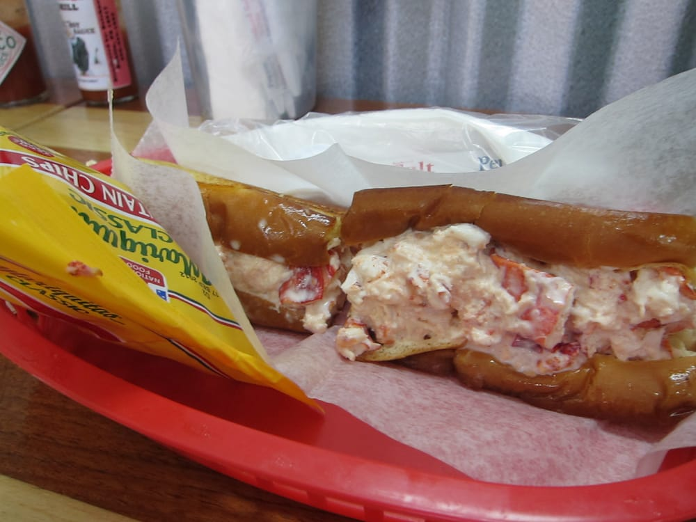 The maine lobster roll yelp for Key west fish market
