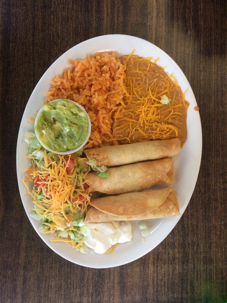 Gloria's Burritos: 3005 S Stockton Ave, Monahans, TX