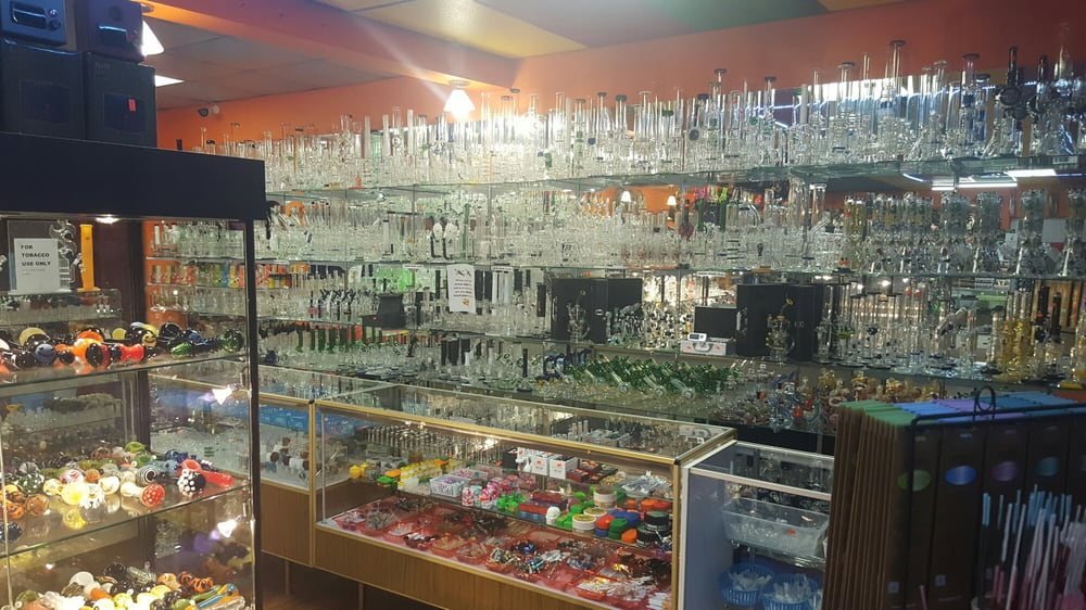 Trippy's Smoke Shop: 11801 Shelbyville Rd, Louisville, KY