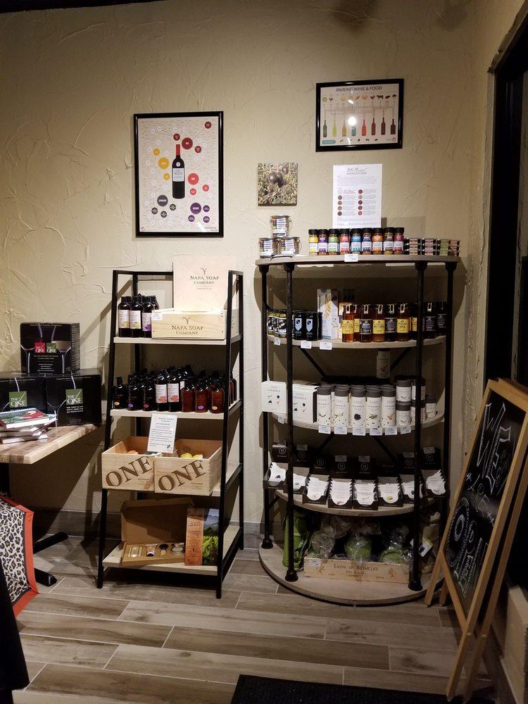 The Wine Bar: 3885 Avalon Park Blvd, Orlando, FL