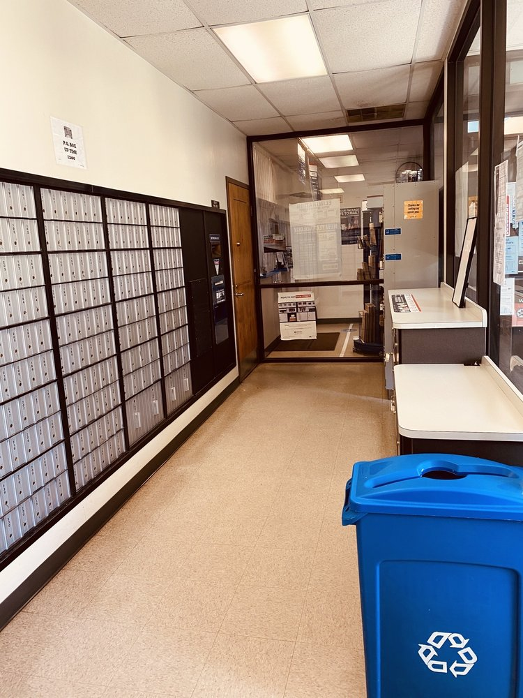 Bowling Green US Post Office: 117 Milford St, Bowling Green, VA