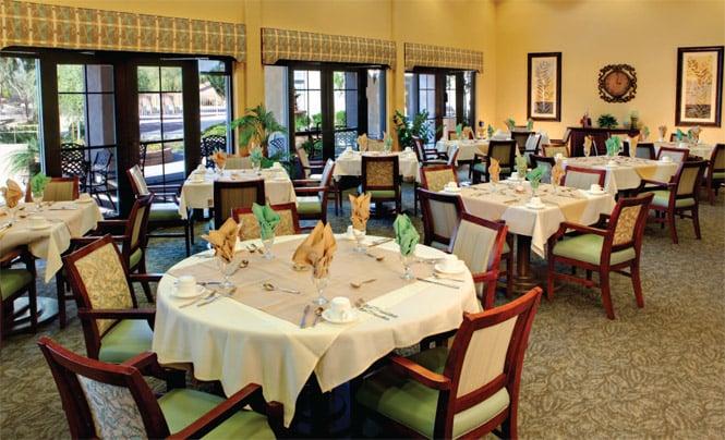 Solterra senior living 14 billeder plejehjem 350 s for Senior living dining room