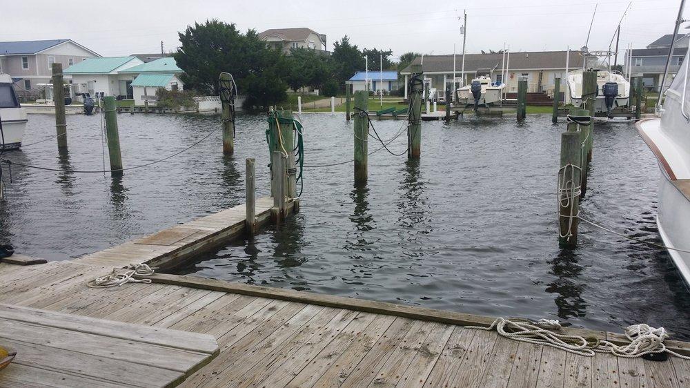 Fisherman's Inn: 200 Atlantic Beach Cswy, Atlantic Beach, NC