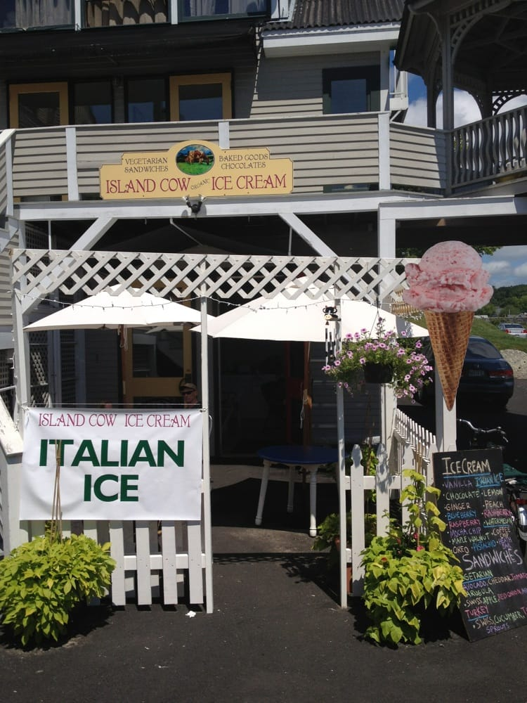 Island Cow Ice Cream Co: 31 Townsend Ave, Boothbay, ME