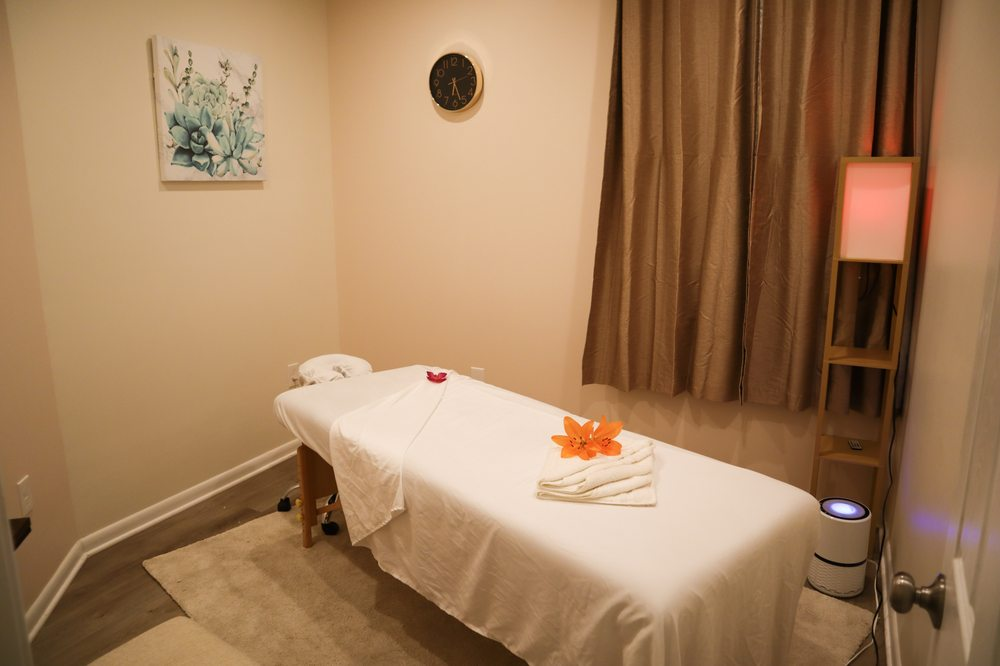 Lux Massage and Spa: 8626 Lee Hwy, Fairfax, VA