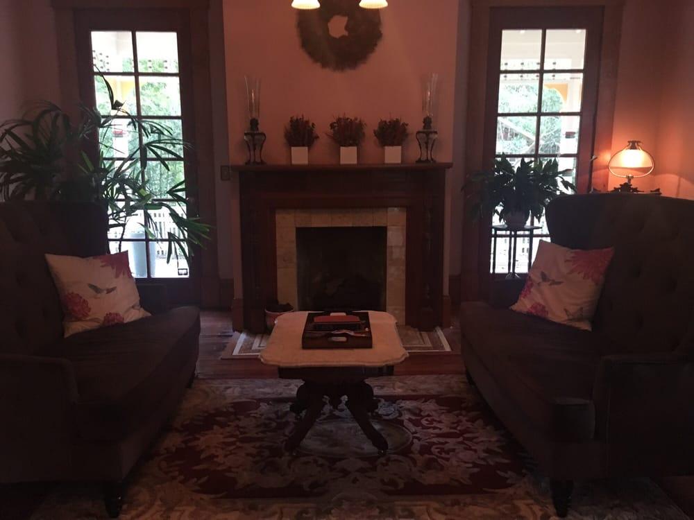 Laurel Oak Inn: 221 SE 7th St, Gainesville, FL