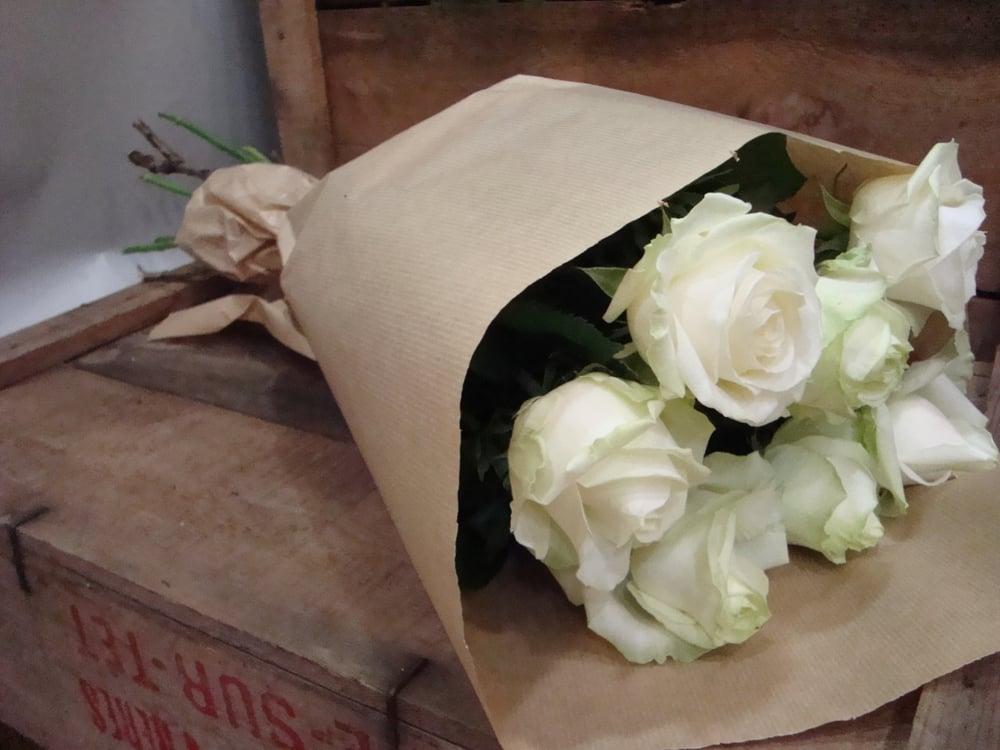 """Fabuleux Bouquet de rose blanche """"Avalanche"""" - Yelp HH72"""