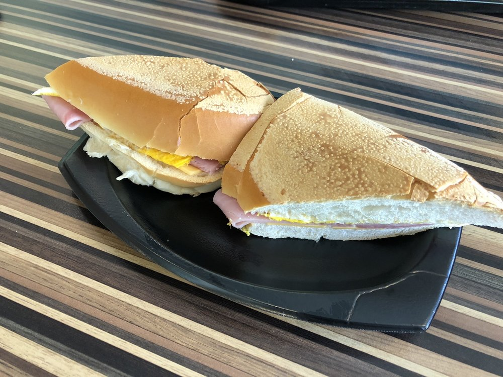 El Meson Sandwiches: Avenida González Giusti S/N, Guaynabo, PR