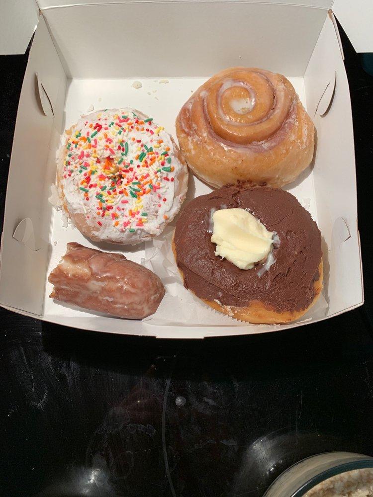 Jeff's Bakery: 5420 Hwy 62, Jeffersonville, IN