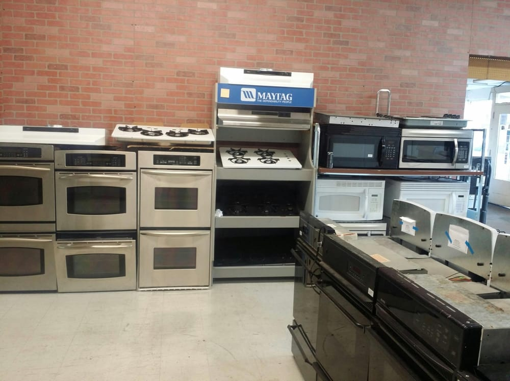 Wide Selection Of Ranges Cooktops And Microwaves From