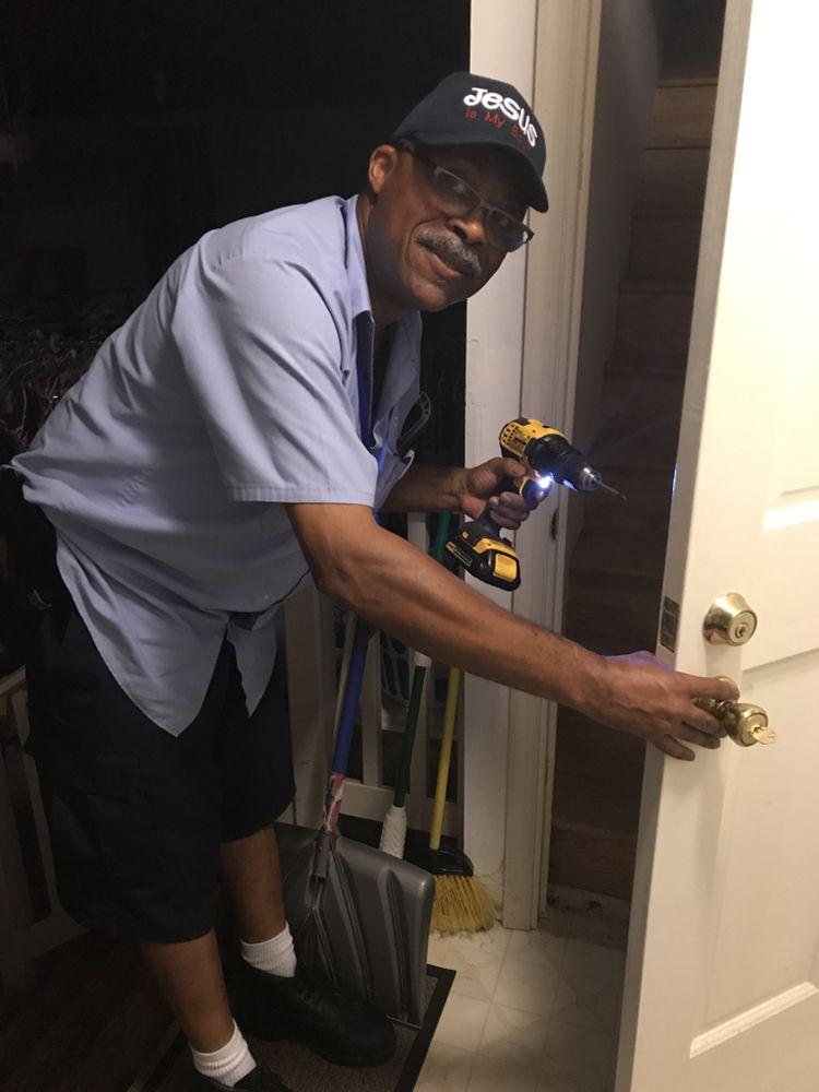 John's Locksmith Services: Lusby, MD