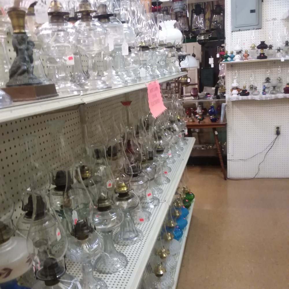 Photo of Yoder's Lamps: Arthur, IL
