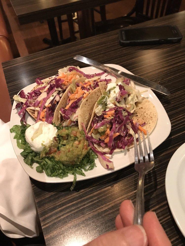 Bossanova Restaurant and Lounge: 112 W 3rd St, Alton, IL