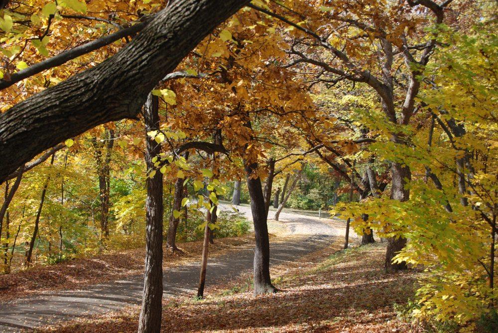 Laura Bradley Park: 1314 Park Rd, West Peoria, IL