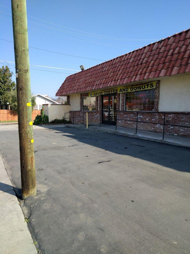 Arvin Doughnuts: 352 Bear Mountain Blvd, Arvin, CA