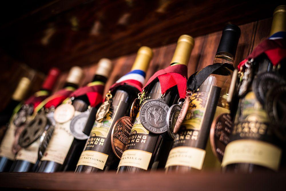 Bending Branch Winery: 142 Lindner Branch Trl, Comfort, TX
