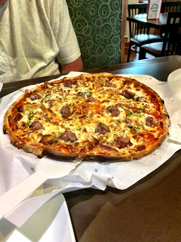 Sammy's Pizza &Restaurant: 802 S Pokegama Ave, Grand Rapids, MN