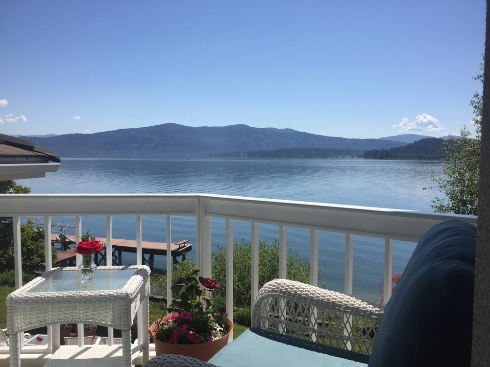 Estate On the Lake: 227 Lakeshore Ave, Dover, ID