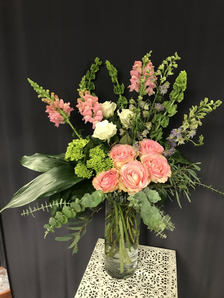 LeFrancois Floral & Gifts: 50 Pine St, Norwich, CT