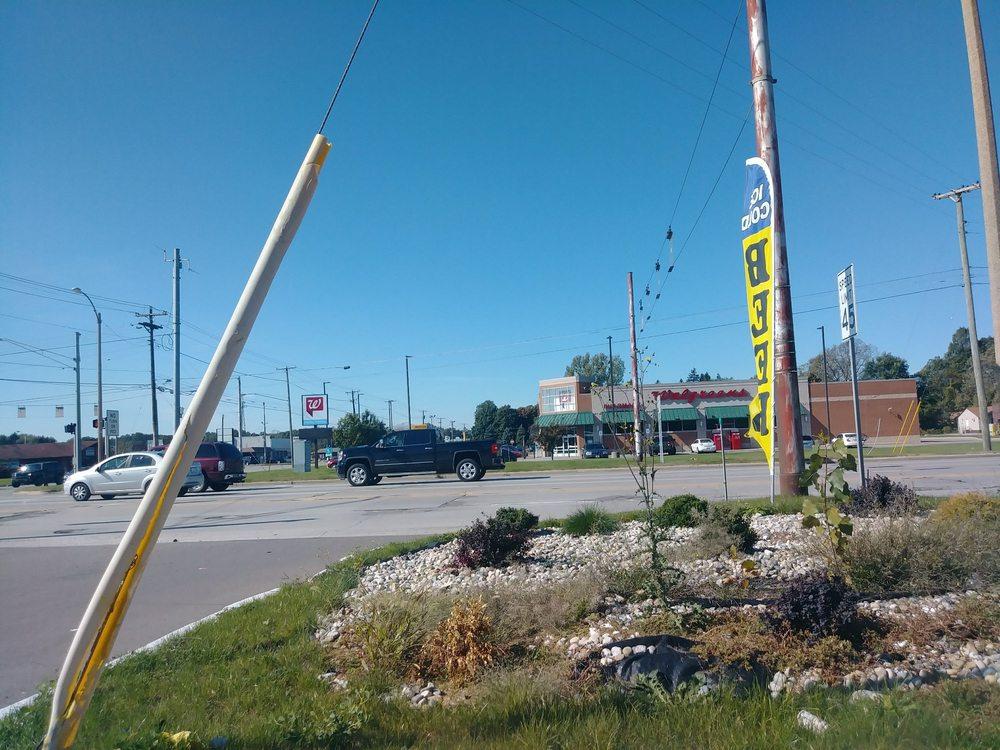 Walgreens: 875 E Napier Ave, Benton Harbor, MI