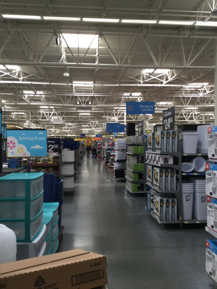 Walmart Supercenter: 990 Missouri Ave N, Largo, FL