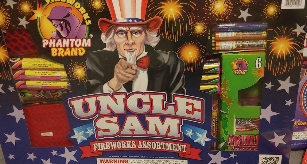 Phantom Fireworks of Wheelersburg: 379 International Ln, Wheelersburg, OH