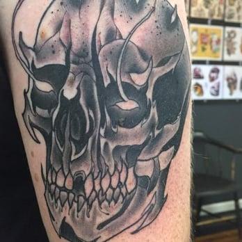 Black anvil tattoo 44 photos 14 reviews tattoo 327 for Tattoo shops in fort wayne