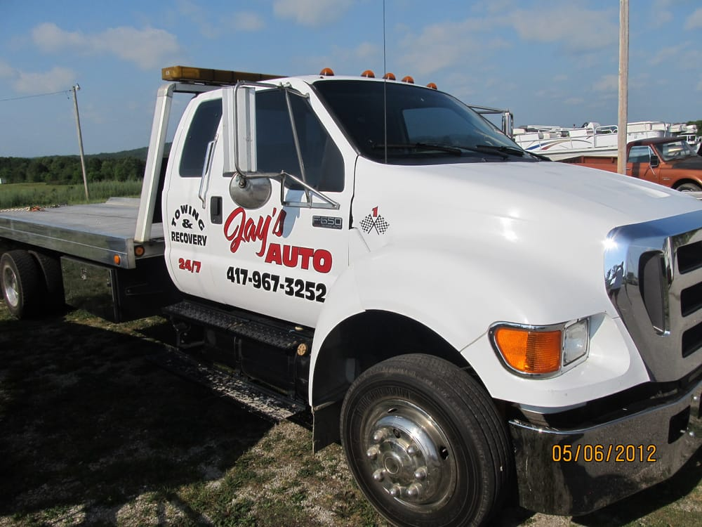 Jay's Automotive & Towing: 6885 Hwy 63, Houston, MO