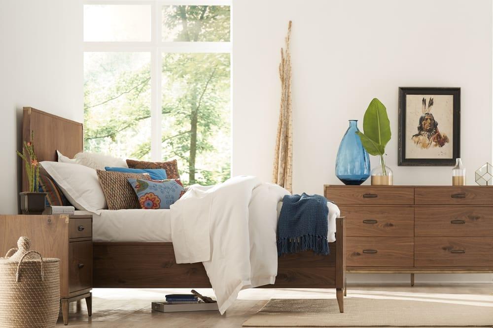 Modus furniture international lojas de mob lia 5410 for Mobilia international
