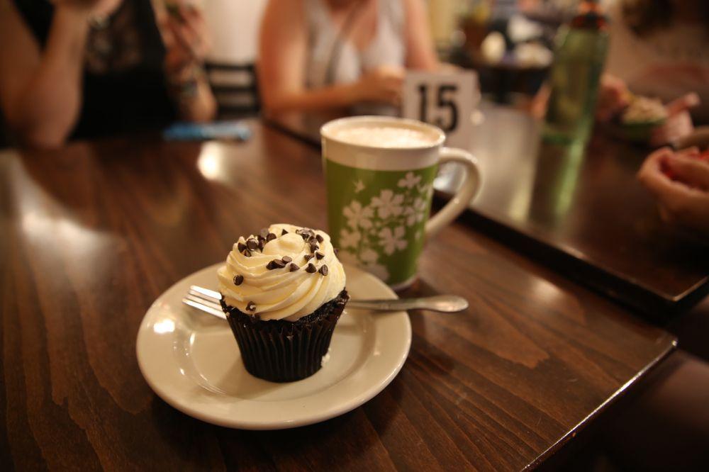 Mara's Cafe & Bakery