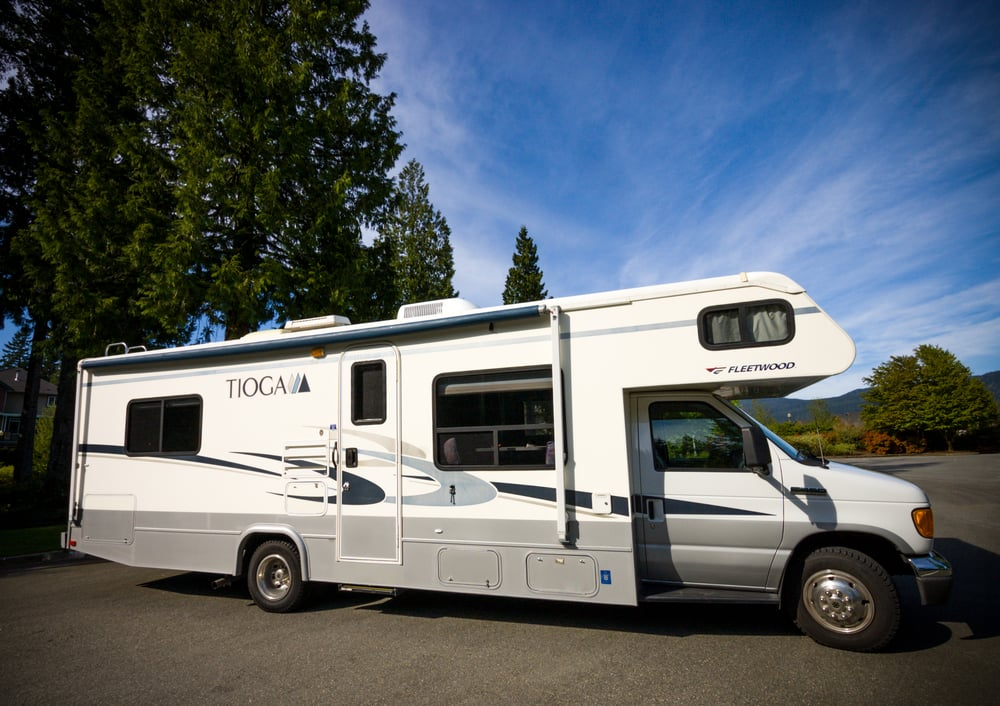 Luxury Parked On Shoreline Boulevard Near Eagle Park, In Mountain View, The RV Shook Every Time A Car Sped Past On July 28 During An Interview For This Story They