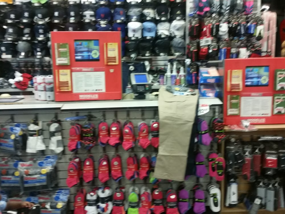 Modell's Sporting Goods: 2929 3rd Ave, Bronx, NY