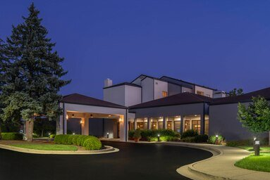 Courtyard by Marriott Louisville East: 9608 Blairwood Road, Louisville, KY
