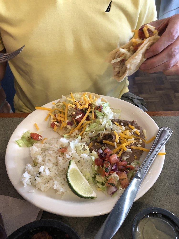 Quatro Locos Tacos and Cantina