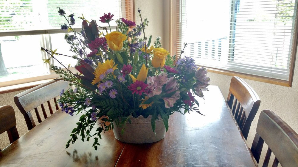 Fitzgerald Flowers: 1414 Adams Ave, La Grande, OR