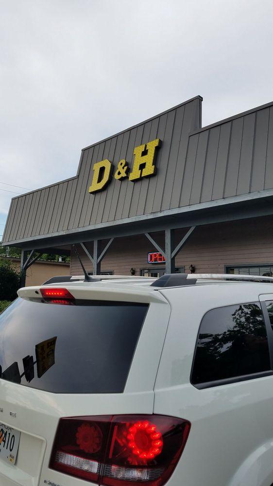 D & H Bar-B-Que: 412 S Mill St, Manning, SC