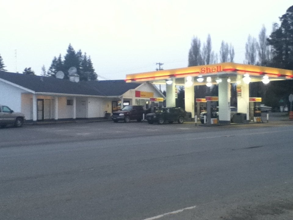 Shell: 170 North Forks Ave, Forks, WA