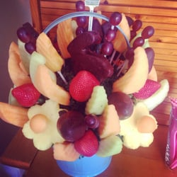 Edible arrangements gift shops 14819 clayton rd chesterfield photo of edible arrangements chesterfield mo united states our easter fruit basket negle Gallery