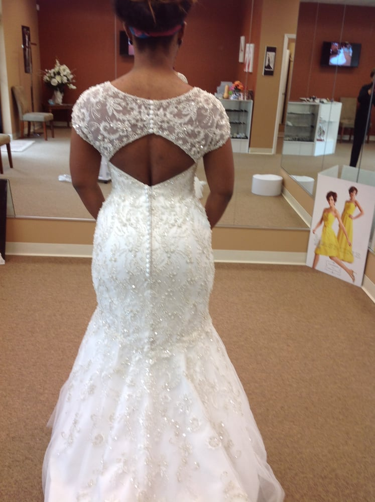 Lace alterations 34 photos sewing alterations 6780 for Wedding dress tailor near me