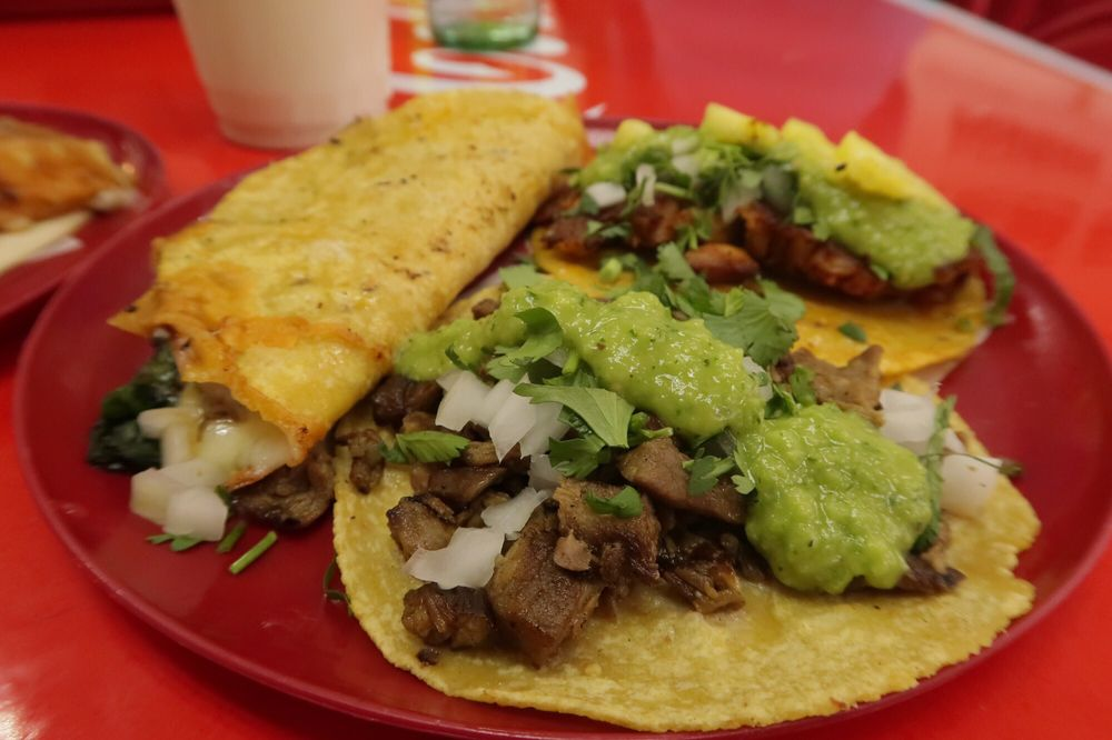 Food from Chilangos Tacos