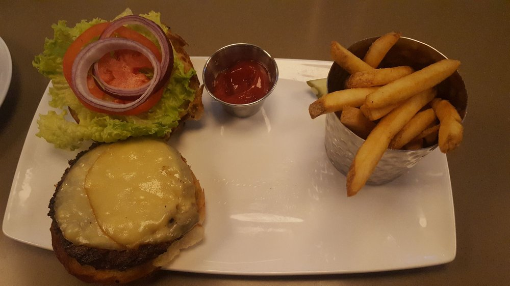 Food from Cheer's American Bistro