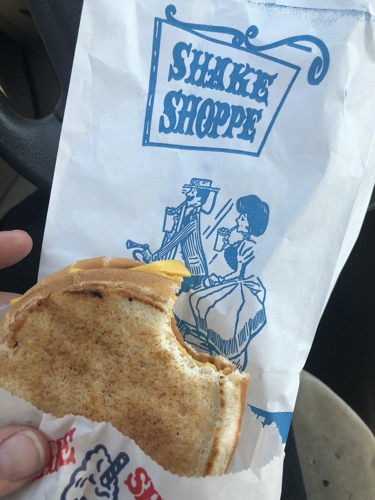 Shake Shoppe: 901 2nd Ave, Gallipolis, OH